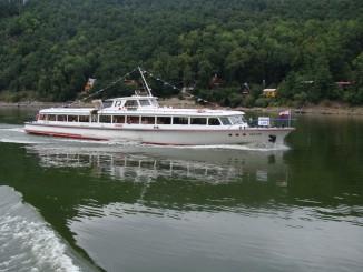 Linková loď VRANOV při pravidelné plavbě