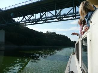 Pod Bítovským mostem, výhld na Cornštejn