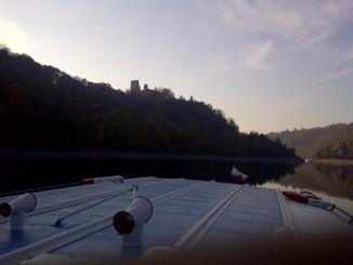 Silueta hradu Cornštějna z lodi VRANOV
