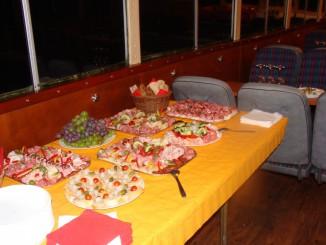 Večerní plavba s rautem