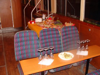 Večerní plavba s rautem a ochutnávkou vín